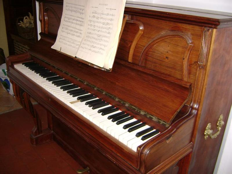 Photo : Piano droit Antoine Bord 1912