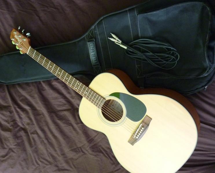 guitare folk takamine egs230 housse petite annonce. Black Bedroom Furniture Sets. Home Design Ideas