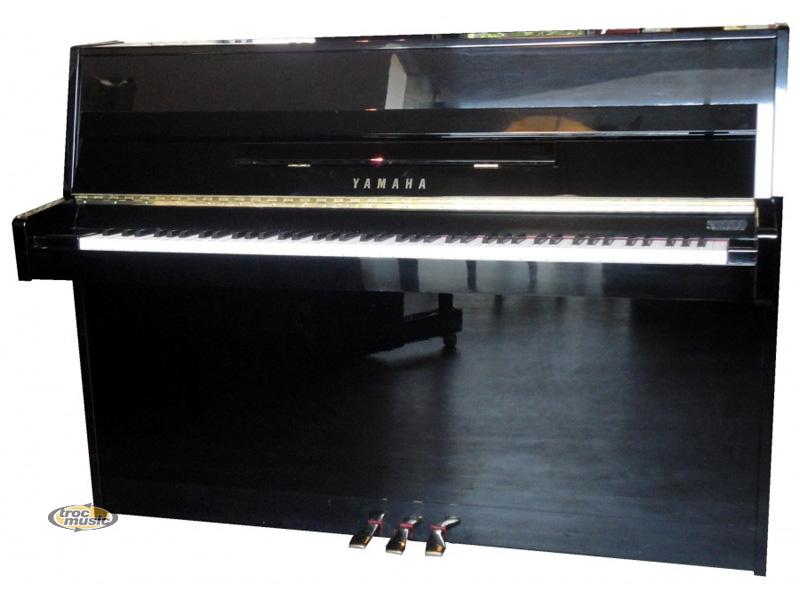 Photo : Piano droit Yamaha M1J laque noir