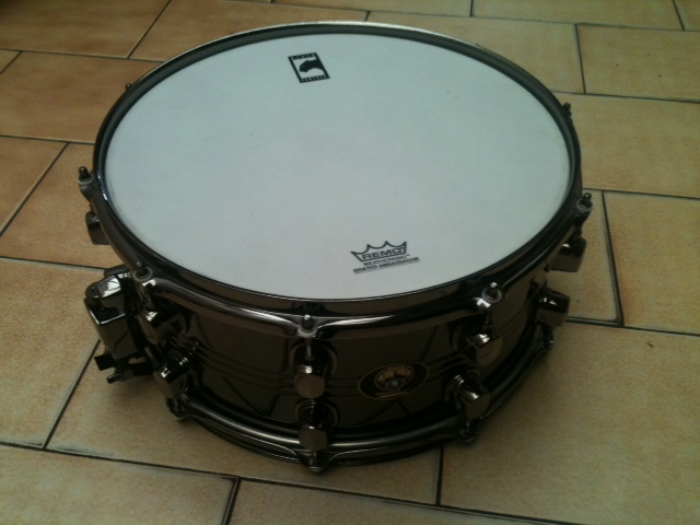 Photo : Mapex Black Panther caisse claire 14 x 5 5