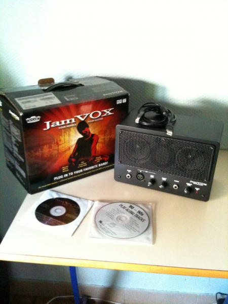 Photo : Vox     JamVox    & Cable USB