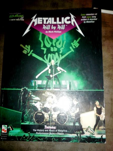 Photo : Metallica        Riff by riff