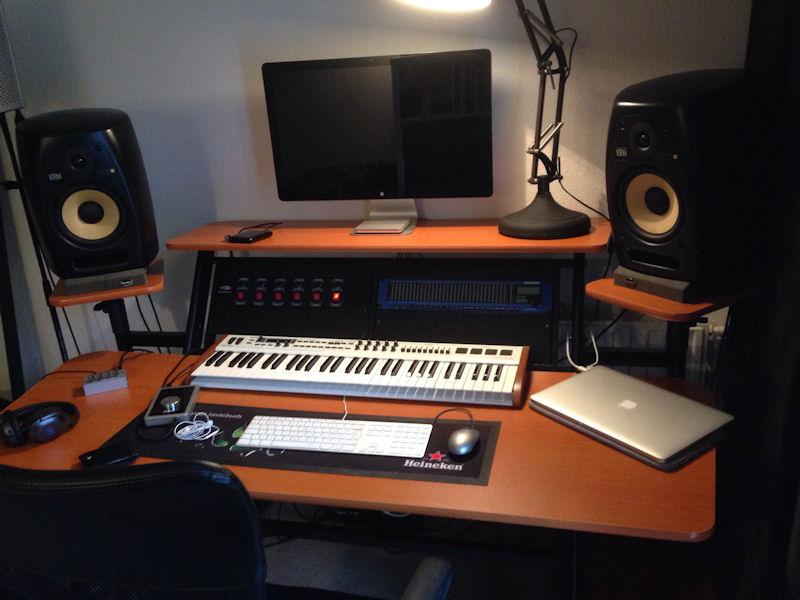 meuble home studio sous garantie petite annonce trocmusic. Black Bedroom Furniture Sets. Home Design Ideas