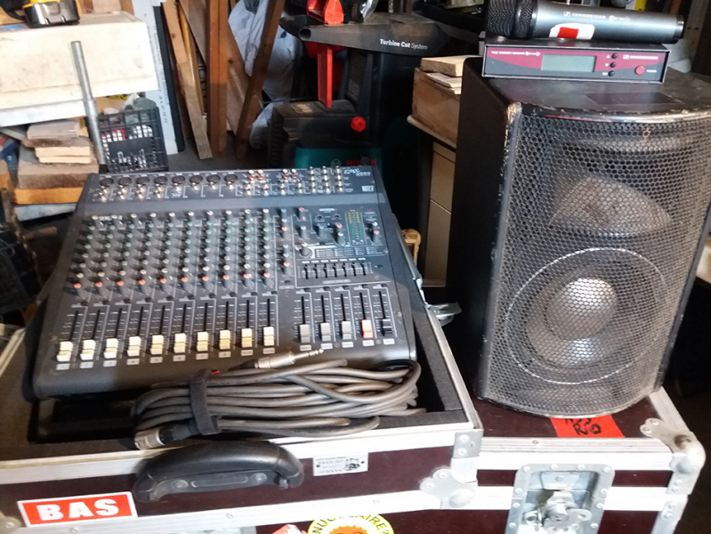 Photo annonce Yamaha    EMX    2000 Console amplifiee