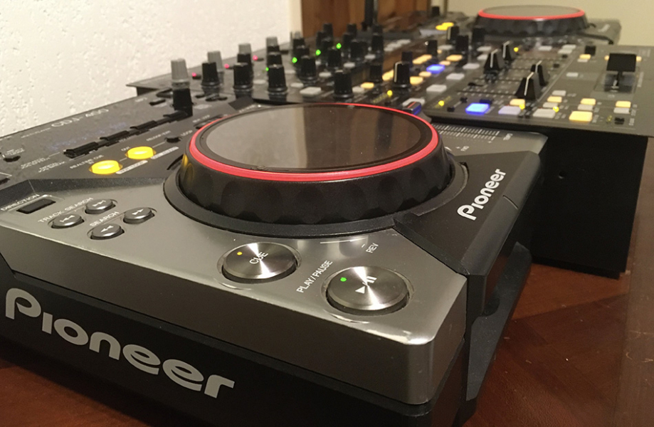 Photo annonce Pioneer    CDJ   400 x 2 + Table DDM 4000