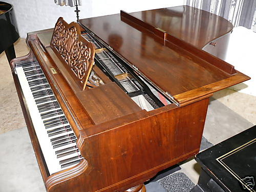 piano demi queue bosendorfer petite annonce trocmusic. Black Bedroom Furniture Sets. Home Design Ideas