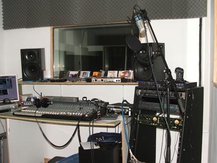photo materiel studio enregistrement home studio mao dj annonce trocmusic. Black Bedroom Furniture Sets. Home Design Ideas