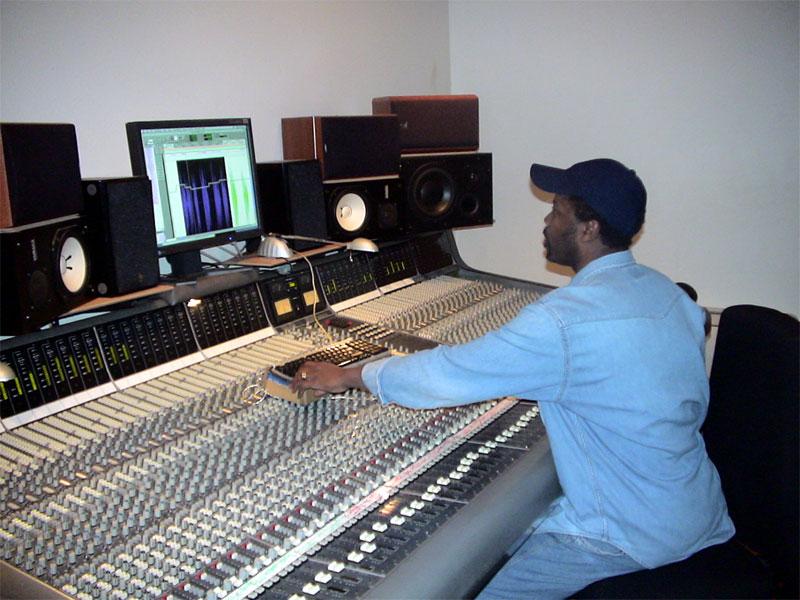 Studio d enregistrement haut de gamme petite annonce - Meuble de studio d enregistrement ...