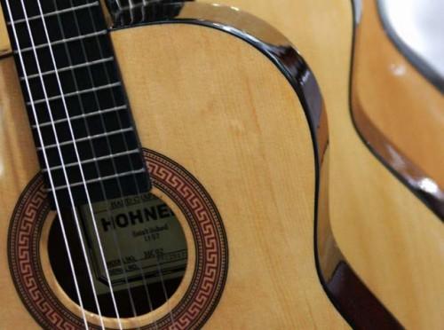 guitare folk hohner hc 06 petite annonce trocmusic. Black Bedroom Furniture Sets. Home Design Ideas