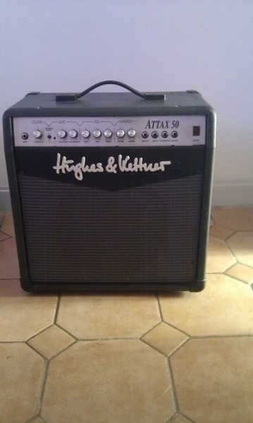 Photo annonce Hughes & Kettner Attax 50 & footswitch