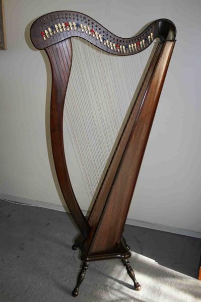 harpe celtique camac 34 cordes petite annonce trocmusic. Black Bedroom Furniture Sets. Home Design Ideas