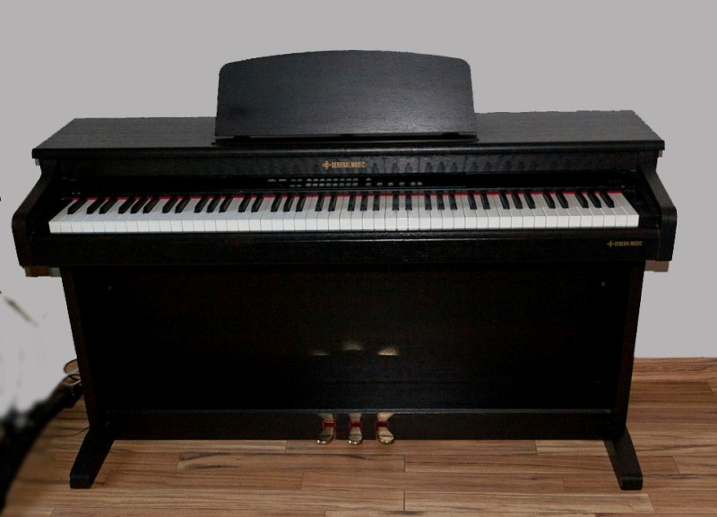piano general music real piano 1 88 touches petite annonce trocmusic. Black Bedroom Furniture Sets. Home Design Ideas