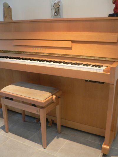 piano droit yamaha silent mp70n aulne satine petite annonce trocmusic. Black Bedroom Furniture Sets. Home Design Ideas